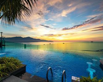 Sala Danang Beach Hotel - Da Nang
