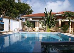Bright Star Resort - Diani Beach - Piscina