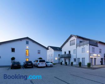 Green Guest House - Wörth an der Isar - Building