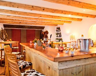 Schweizerhaus Swiss Quality Hotel - Bregaglia - Bar