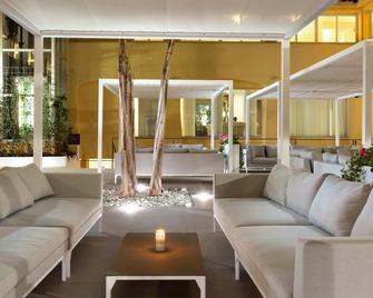 Hotel San Teodoro - San Teodoro - Lobby