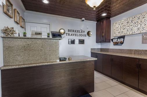 貝克利旅遊賓館 - 柏克萊 - 柏克萊 - 櫃檯