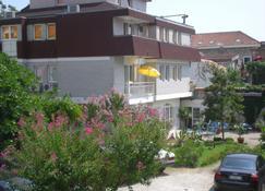 LaRos Apartments - Herceg Novi - Building