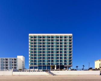 Holiday Inn Express & Suites Oceanfront - Daytona Beach - Building