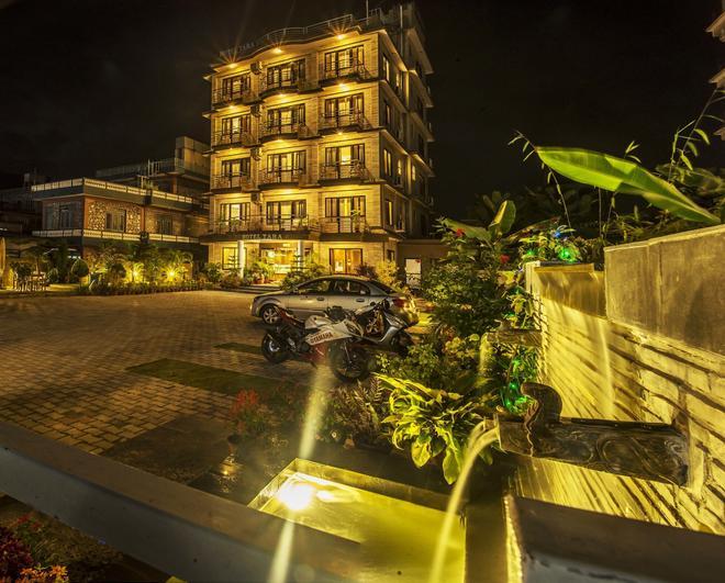 Hotel Tara - Pokhara - Building