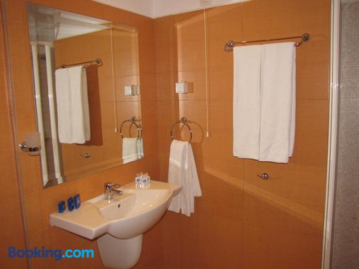 Blue Orange Beach Resort - Sozopol - Bathroom