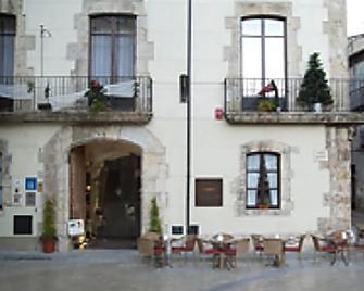 Comte Tallaferro - Besalú - Edificio