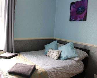 Napier Town House - Workington - Bedroom