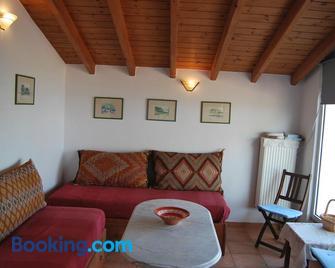 Spiti Anatoli - Karfas - Living room