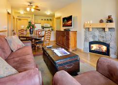 Juniper Springs Resort - Mammoth Lakes - Sala de estar