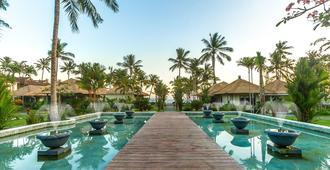 Nirwana Beach & Resort - Manggis - Pool