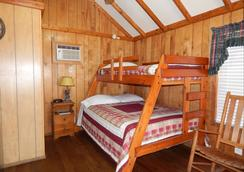 Road Runner Travel Resort - Caravan Park - Fort Pierce - Bedroom