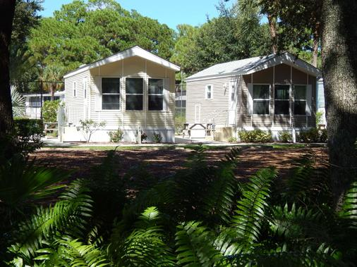 Road Runner Travel Resort - Caravan Park - Fort Pierce - Building