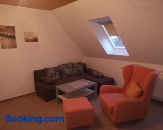 Ferienwohnung Almdorf - Bredstedt - Living room