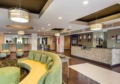 Comfort Suites - Gonzales - Lobby