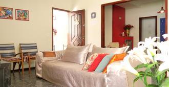 Little Hostel Bc - Balneario Camboriú - Sala de estar