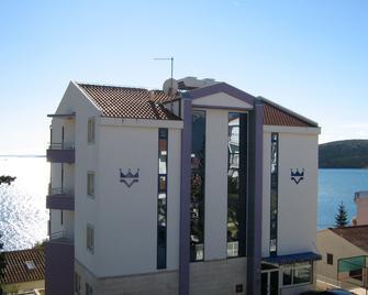 Hotel Viktorija - Trogir - Building