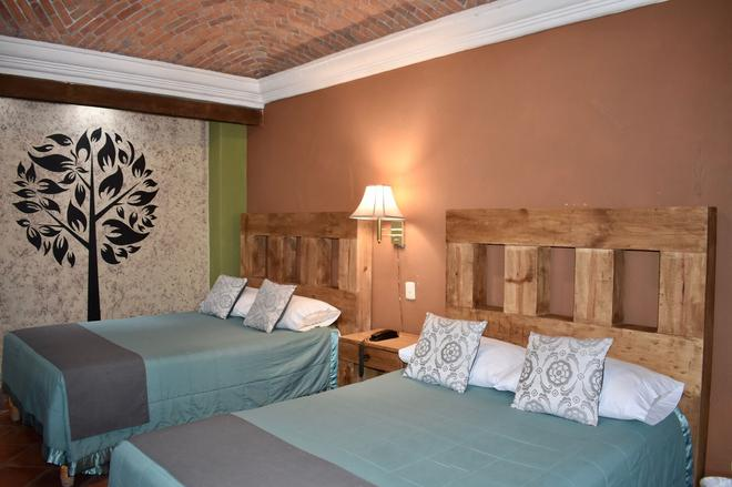 Hotel Ana Catalina & Suites - San Miguel de Allende - Phòng ngủ