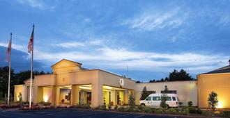 DoubleTree by Hilton Charlotte Airport - שרלוט