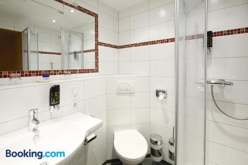 Hotel Ochsen - Titisee-Neustadt - Bathroom