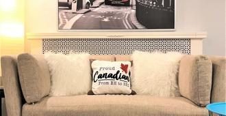 Carleton U / Td Place / Landsdowne / Dows Lake - Ottawa - Living room