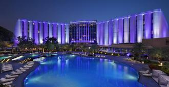 The Ritz-Carlton Bahrain - Manama - Pool