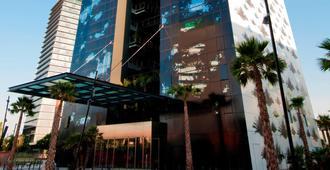 Renaissance Barcelona Fira Hotel - ברצלונה