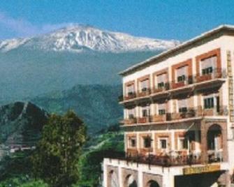 Hotel Panorama di Sicilia - Forza d'Agro - Building