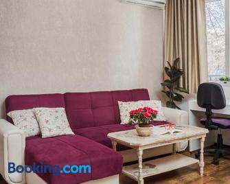 Lucky 7 - Comfort,Clean ,Cosy Apartment - Roese - Huiskamer