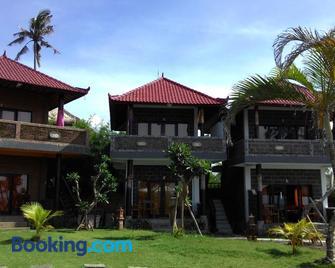 Gubug Balian Beach Bungalow - Selemadeg - Building