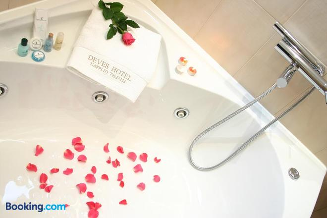 Deves Hotel - Náfplio - Bathroom