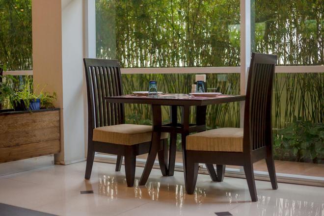 諾拉查汶酒店 - 蘇梅島 - 蘇梅島 - 天井