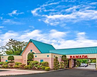 Ramada by Wyndham Parsippany - Parsippany - Edificio