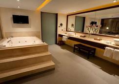 Hotel Dreams de los Volcanes ?-Puerto Varas - 瓦拉斯港 - 巴拉斯港 - 浴室