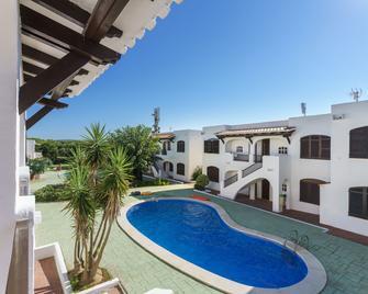 Apartamentos Son Parc - Es Mercadal - Pool