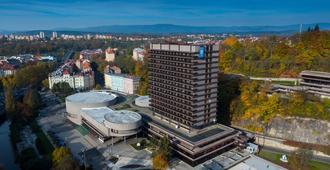 Spa Hotel Thermal - קרלובי וארי - בניין