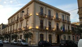 Grande Albergo Alfeo - Siracusa - Building