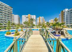 Caesar Resort & Spa - Tríkomo - Pool