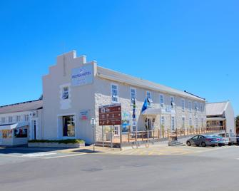 Protea Hotel by Marriott Mossel Bay - Mossel Bay - Building