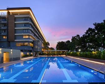 Tinidee Hotel@Bangkok Golf Club - Pathum Thani - Pool