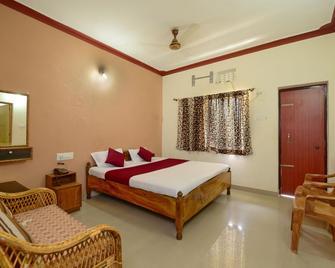 Surya Inn - Konark - Bedroom