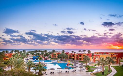 Magic Tulip Beach Resort & Spa - Marsa Alam - Bể bơi