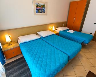 Splendid Golden Rocks Resort - Pula - Bedroom