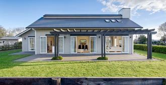 Eldonwood Bed and Breakfast - Matamata - Edificio