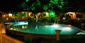 The Heritage Village Resort - ג'איפור - בריכה