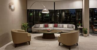 Holiday Inn Long Beach Airport - Long Beach - Lobby