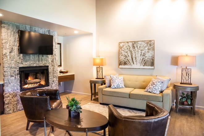 The Inn at Pasatiempo - Santa Cruz - Living room
