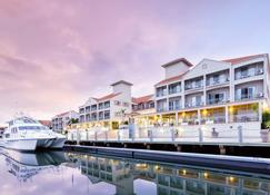 Ramada by Wyndham Hope Harbour - Hope Island - Edifício