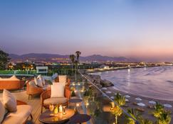 Crowne Plaza Muscat - Mascate - Vista del exterior