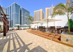 Golden Sands Hotel Sharjah - Sharjah - Patio